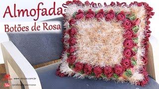 Almofada Botões de Rosa em Crochê