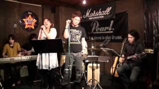 2011年5月28日八王子ライブバーXYZ→Aで行われたライブより、...