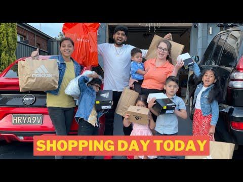WE DOING SHOPPING TODAY | LOVELEEN VATS & COURTNEY VATS |