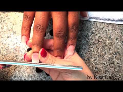 Hướng dẫn cách dũa móng bột sao cho đều (dành cho móng vuông)