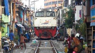 Kereta Api Ekstrim di Indonesia