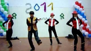 Шуточный башкирский танец(На предновогоднем вечере 23.12.10 на педагогическом факультете Сибайского института БГУ всегда бывает весело...., 2010-12-25T11:48:44.000Z)