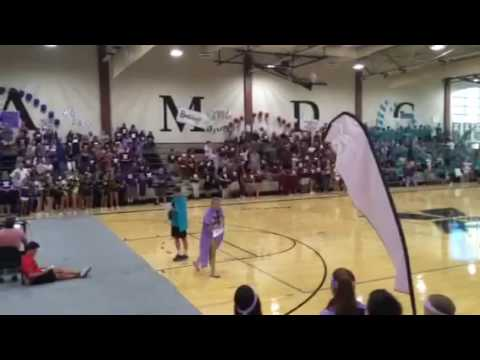Indy Dancing