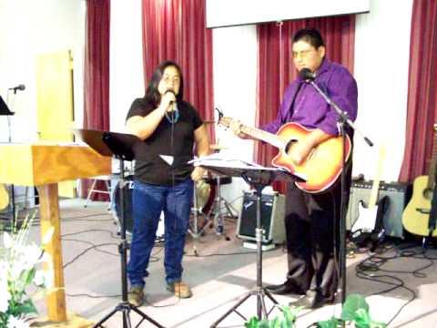 Tammy Begay Sings Amazing Grace in Navajo - YouTube