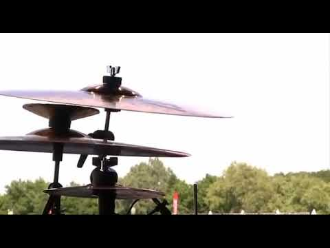 Traduzione In Italiano Be Yourself Audioslave Chris Cornell Youtube
