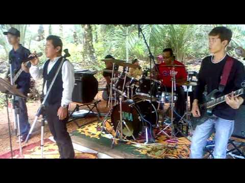 Ukays - Lepaskanmu kerana terpaksa ( Ary Drummer and Ibanez JPJ Band Cover )