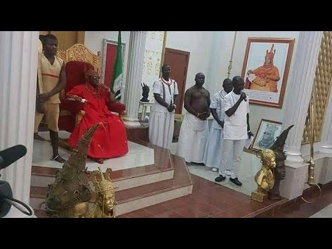 OBA OF BENIN AKPOLOKPOLO EREDIAUWA, EWUARE II DECLARED WITH HIS BLOOD THAT BIAFRA MUST BE FREE.