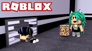 BABY LULY IS THE BEST BEAST OF FLEE THE FACILITY!! HACKEA AND HUYE DE ELLA at ROBLOX 😱