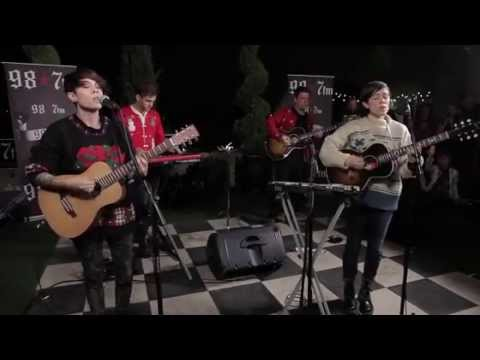Tegan & Sara - Where Does The Good Go (acoustic) [Ugly Sweater Party]