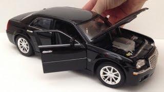 видео Обзор модели Chrysler 300C