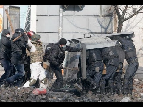 ukraine-police-try-to-recapture-center-9-killed---see-it-up-close