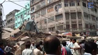 dramatic moment kolkata flyover collapses caught on cctv