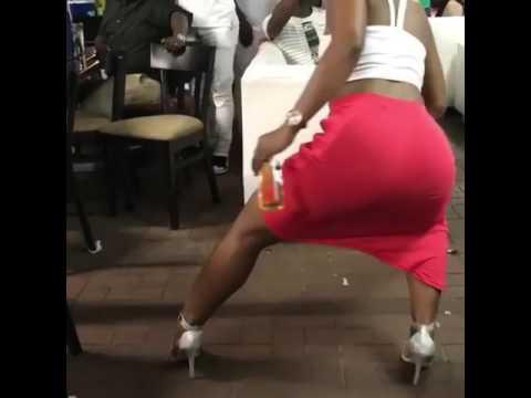 Zodwa wabantu open legs thumbnail