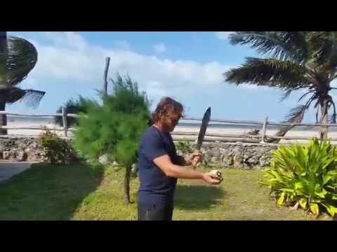 travel in Vilanculos Mozambique - how to break a coconut