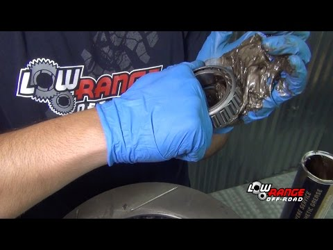 How To Rebuild A Toyota 4X4 Solid Front Axle (Part 8) Hub, Rotor & Bearing Installation