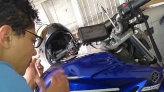 Pintura da moto com esmalte