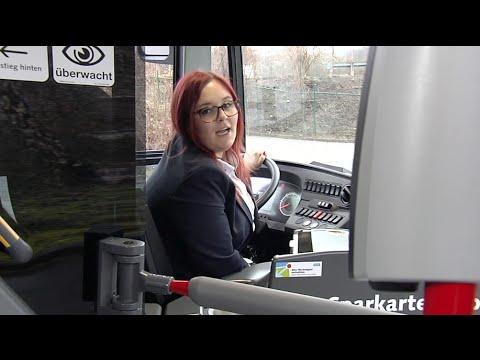 WSW-Busfahrerin zum Vordereinstieg