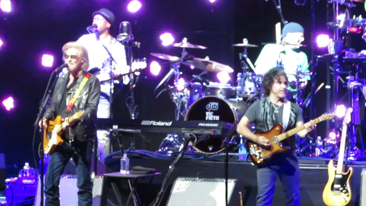 Hall Oates Out Of Touch Td Garden Boston Ma 24th June 2017 Youtube