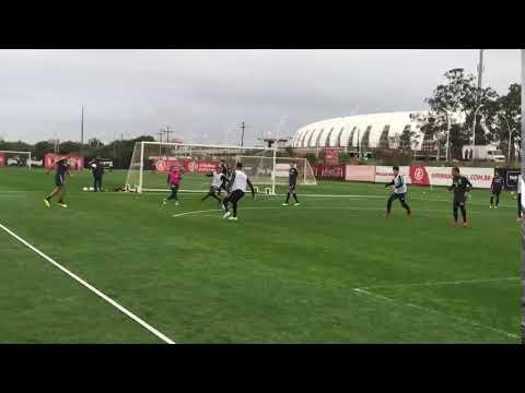 Por cobertura, Pottker marca lindo gol no treino do Inter desta segunda-feira (16)