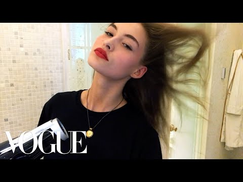 Grace Elizabeth's Easy Model-On-Duty Makeup | Beauty Secrets | Vogue