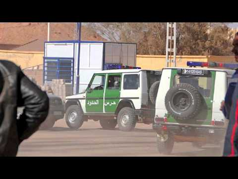 خطير جدا حول عين أمناس الجزائر 13:00 - BBC Radio4 20.01.2013