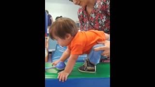 Ejercicios para estimular el caminar en niños con Síndrome de Down Parte 3.