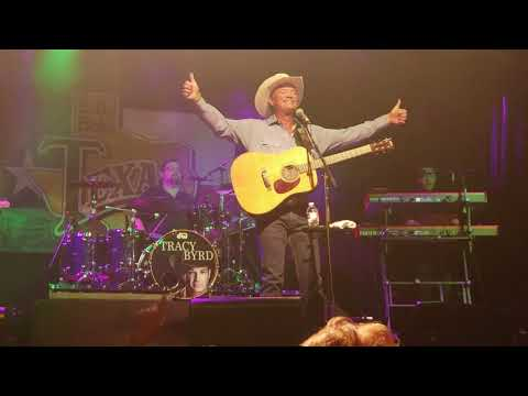 Tracy Byrd Ten Rounds With Jose Cuervo and I'm From The Country at Billy Bob's 7.21.18