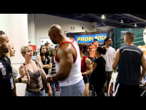 Quincy Taylor  2011 Mr. Olympia Expo