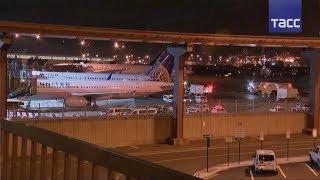 В аэропорту Нью Джерси загорелся двигатель у самолета, который готовился ко взлету