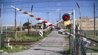Spoorwegovergang Scafati (I) // Railroad crossing // Passaggio a livello