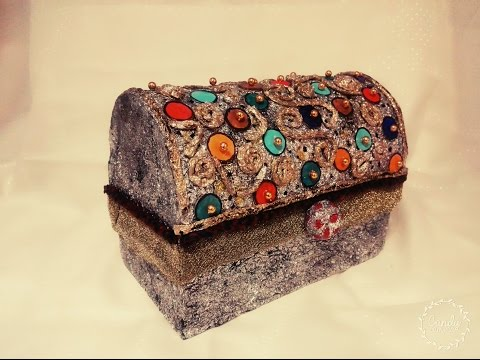 DIY craft: storage box / jewellery box. Antique looks.
