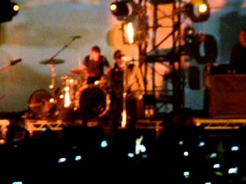 Beady Eye-The Roller (Pistoia Blues Festival 2013)