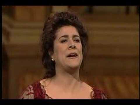 """Cecilia Bartoli - """"Me voglio fa na casa"""" - Donizetti"""