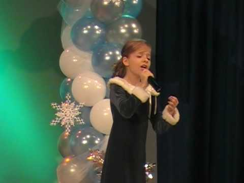 Ave Maria (Bach) - Jackie Evancho - 2009 Performance