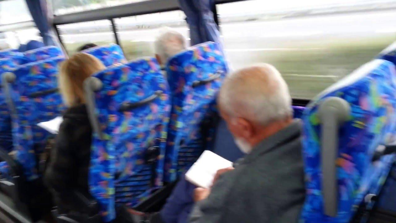 domogatelstva-v-avtobuse-onlayn-devushka-korotkaya-strizhka