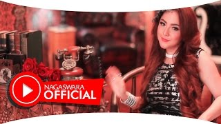 Gambar cover Regina - Cinta Basi - Official Music Video - NAGASWARA