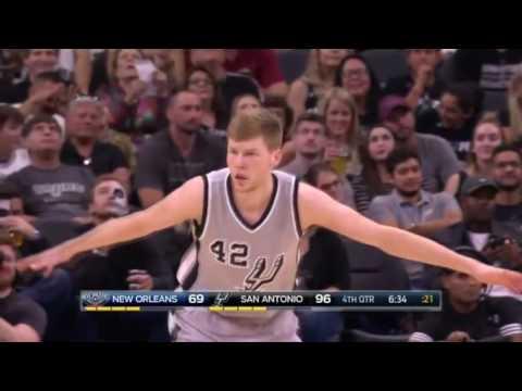 Dāvis Bertāns made an incredible 3 point shoot vs Pelicans - 30.10.2016.