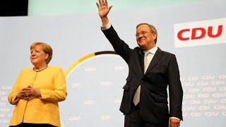 La canciller Angela Merkel participa en la campaña al rescate de los cristianodemócratas