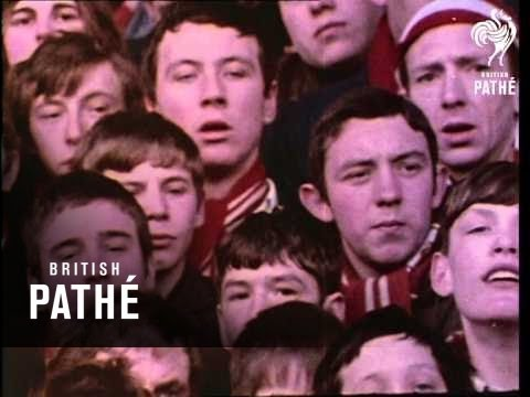 Football Crowds At Anfield - 1970s Footage (1970-1979)