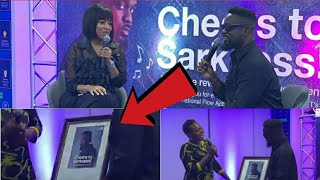 SARKODIE HONORED BY  STANDARD CHARTERED BANK FOR WINNING BET HIPHOP AWARD