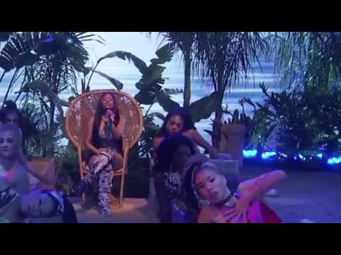Ariana Grande - Side To Side ft  Nicki Minaj (Live at the AMAs 2016) ❤