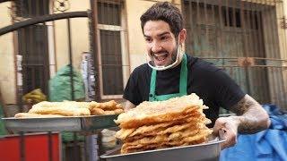 Chinese STREET FOOD challenge starring Brazilian football star Pato! 一位在天津摊煎饼果子养家的巴西球星帕托