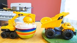 Sneaky Excavator and Dump Truck Make Orange Juice