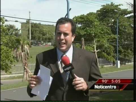 Egg thrown at PR  Governor Luis Fortuno R