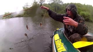 Рыбалка экраном в дождь(, 2015-05-16T06:13:48.000Z)