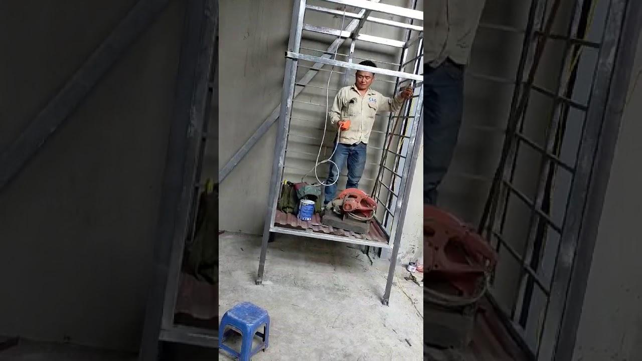 Cách làm thang máy chuyển hàng tại kho xưởng bằng máy tời.