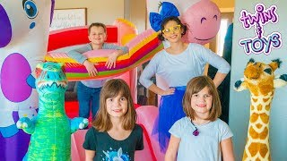 Kate & Lilly PLAY in Unicorn Bounce House with Princess Penelope!