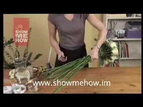 how-to-create-wedding-flowers-(bouquets,buttonholes,display)