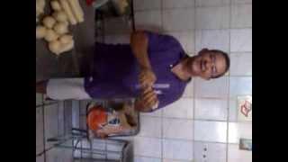 aprenda como fazer salsicha empanada em segundos