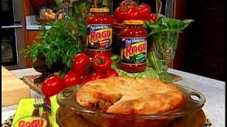 Robin Miller Prepares Ragús Upside-Down Deep Dish Pizza